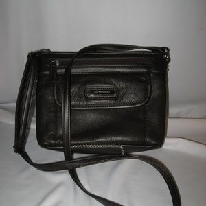 CROFT & BARROW DARK BROWN LEATHER CROSS BODY BAG